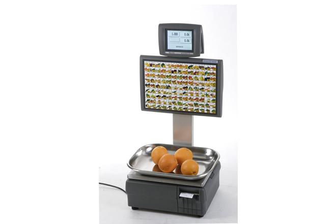 La Italiana Macchi MACH 8700 Self Service è una bilancia elettronica Self-service caratterizzata da una tastiera meccanica a corsa breve con 117 tasti rilegendabili di grandi dimensioni e tasca porta layout per visualizzare i prodotti del reparto ortofrutta.
