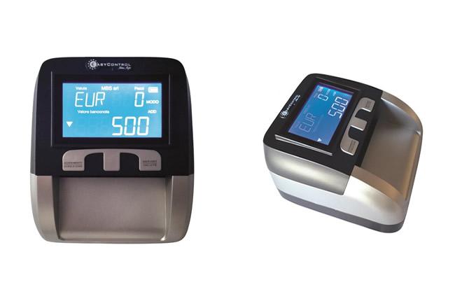 EasyControl New Age è un verificatore di banconote automatico multi controllo che consente, con estrema velocità, la verifica di tutte le banconote Euro, Sterlina Inglese, Franco svizzero ed altre.